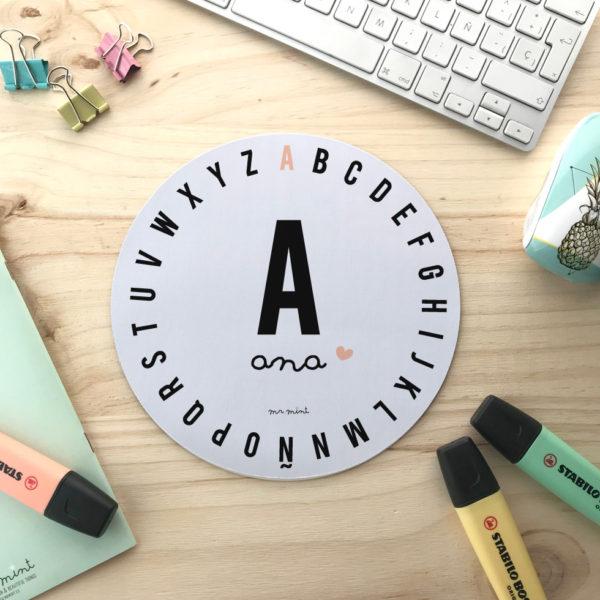 alfombrilla escritorio personalizada mrmint inicial