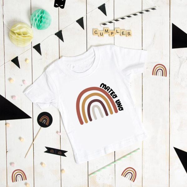 camiseta cumpleaños arcoiris personalizada